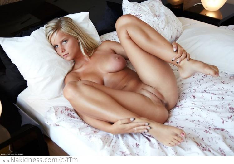 Откровенные порно фото девушек